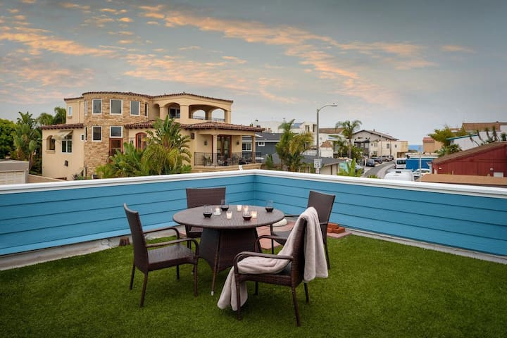 Ventura Pierpoint 2BD/2BA. Walk To Beach!