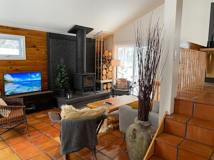20 MINUTES FROM QUEBEC CITY HIGH RANGE CHALET,