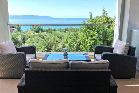 Sea view Luxury apartment at 900 m from the beach