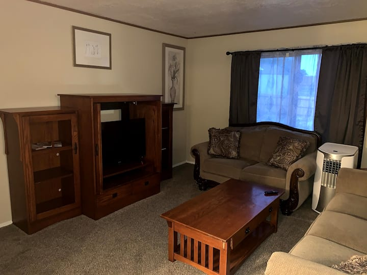 2 Bed/1 Bath Duplex Unit