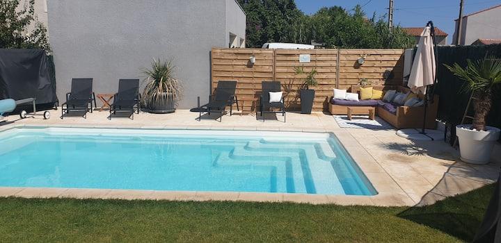 Villa de standing au calme avec piscine