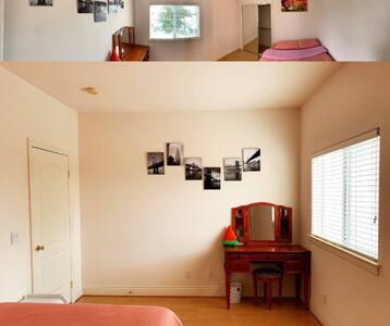 房门外地毯,与房间里的地板相连,没有阻碍物