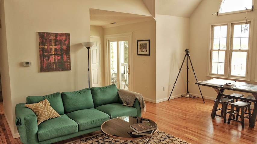 Fair Haven Heights Condo: Sunsets and river views
