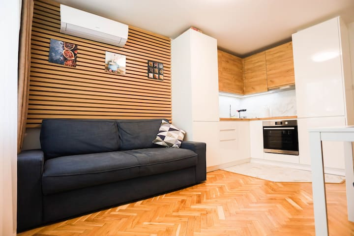 White Central Apartment