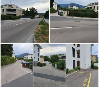 Chemin depuis la route  Foto devant l'entrée