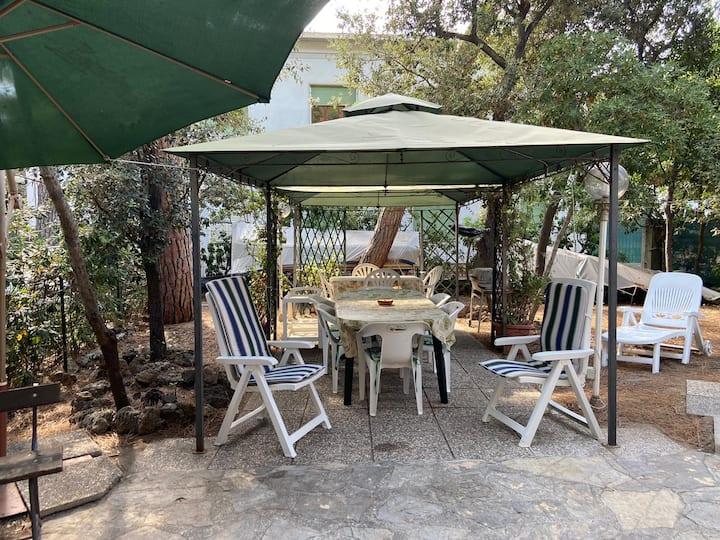 Appartamento  con giardino zona San Vincenzo/ mare