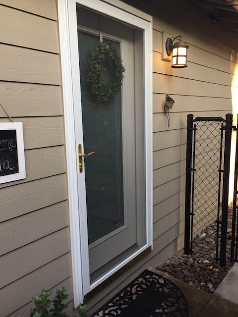 White Door Guest Apartment