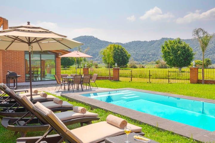 Hermosa Casa Vista al Lago, Piscina Privada, BBQ