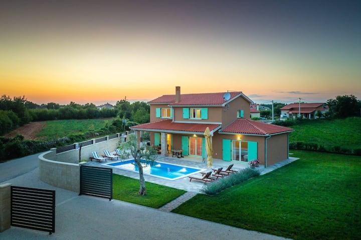 Villa Matea with private pool and barbecue