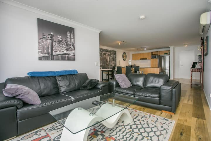 CBD Apartment with Wifi and free Secure Parking