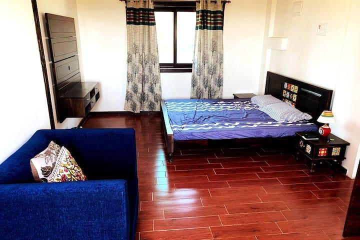 Bedroom 1 (Level 1)