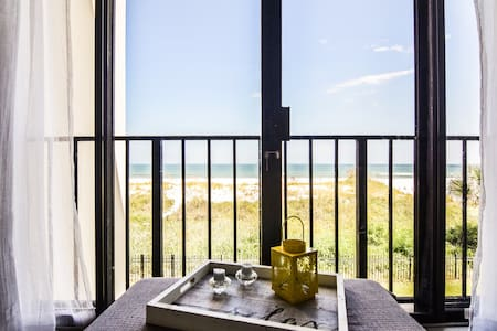 Luxurious OCEANFRONT Condo on Jax Beach