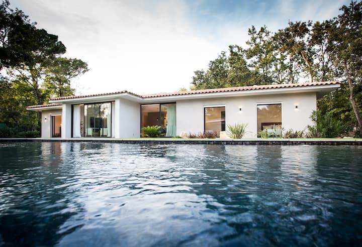 VILLA CALA - 4 bedrooms - Côte d'Azur Villages