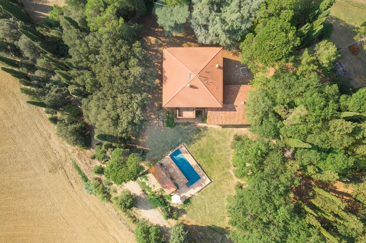 Countryhouse with swimming pool