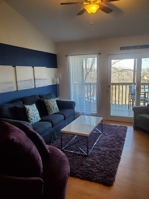 J & J's Retreat- Close to SDC and No Cleaning Fee