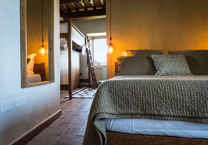 Assunta Triple Room 25m2@Borgo Castello Panicaglia