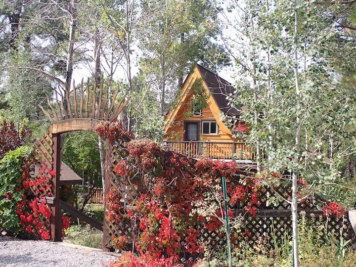 Kolibri Cabin, peaceful garden paradise