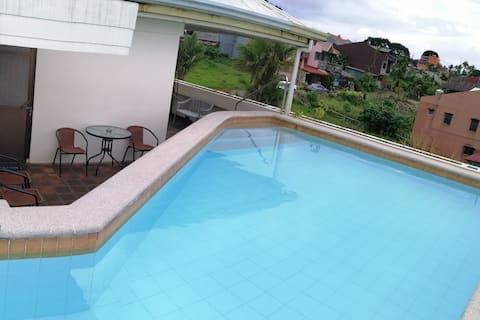 Private pool overlooking Lucban! Karaoke+Bbq+WiFi