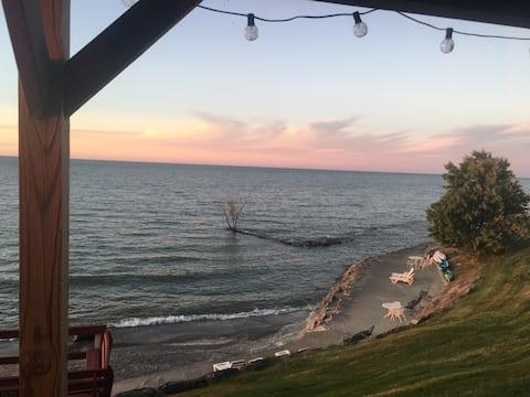 Beach Cottage #4 on Lake Erie, near Cedar Point