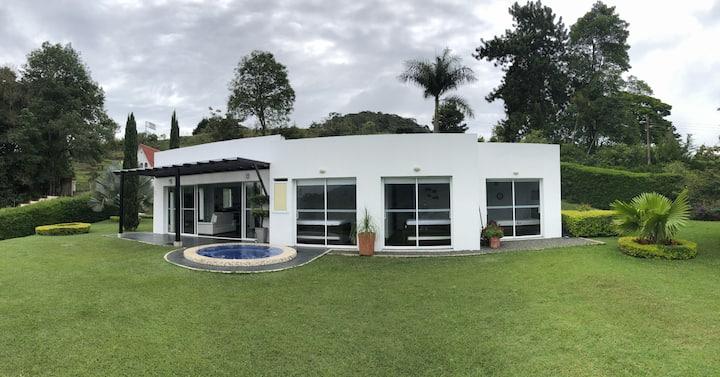 Espectacular casa en el Lago Calima