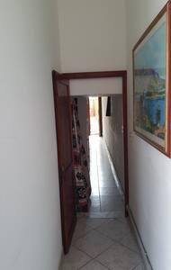 Nel corridoio sono presenti luci con sensore di movimento e crepuscolare
