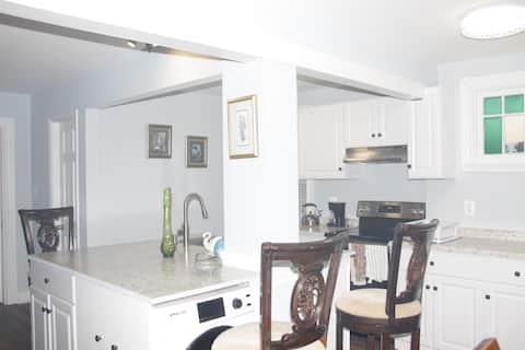 Newly Renovated Entire Apartment in Cottage