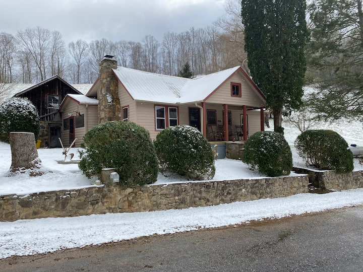 Family Farmhouse in the Holler