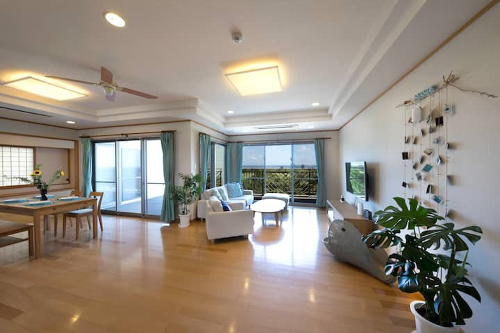 Bright Golf and Seaview 4 BR (2 baths, 2 toilets)