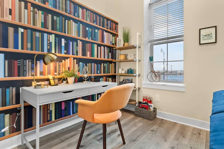 THE GRADUATE : Stylish Apt in CENTER of Downtown