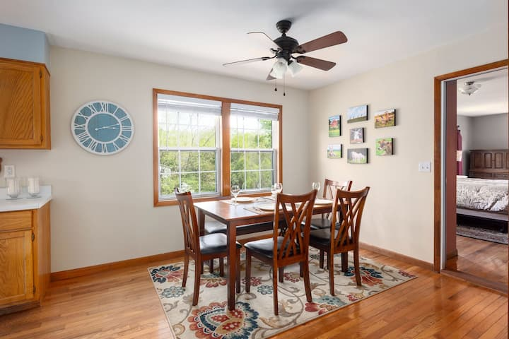 NEW! Chestnut Hill -Spacious, 3 miles to Downtown!