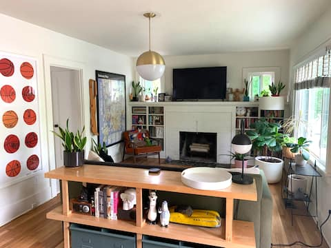 Designer curated Mississippi home NO CLEAN FEE