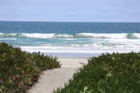 Beachfront Loft Playa La Misión