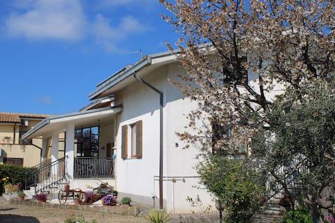 Villa Anna, acogedora, independiente en la naturaleza