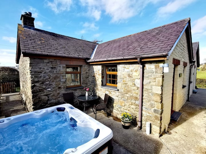 Holiday Farm cottage, Private hot tub
