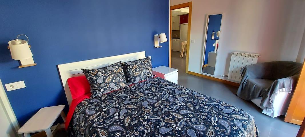 Primera de las habitaciones con con baño completo privado.
