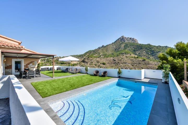 Villa Calpe vistas al mar y montaña