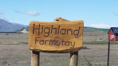 Highlands Farmstay hut No.2-Outside baths!!