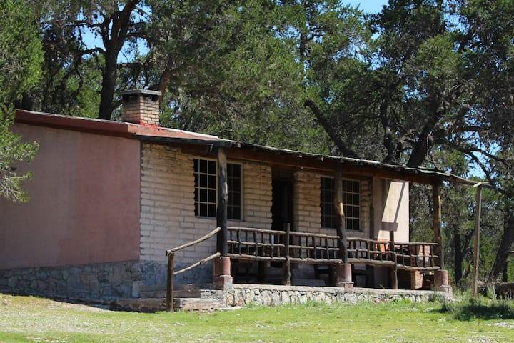 Cabaña #1 en la Sierra de Arteaga a 1.5 hrs de Mty