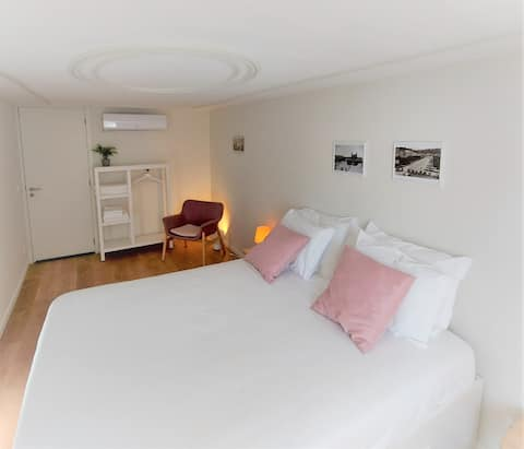 Historical centre family cosy flat AC Wi-Fi