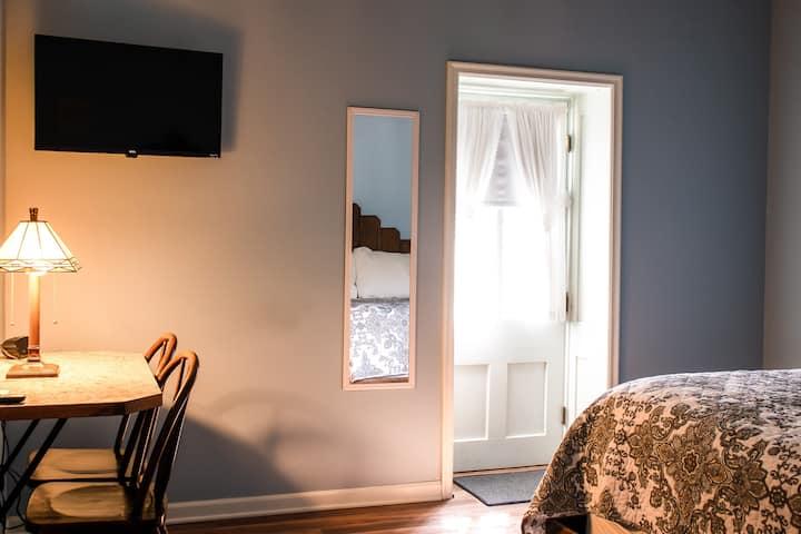 Hotel Lanesboro - Room 9
