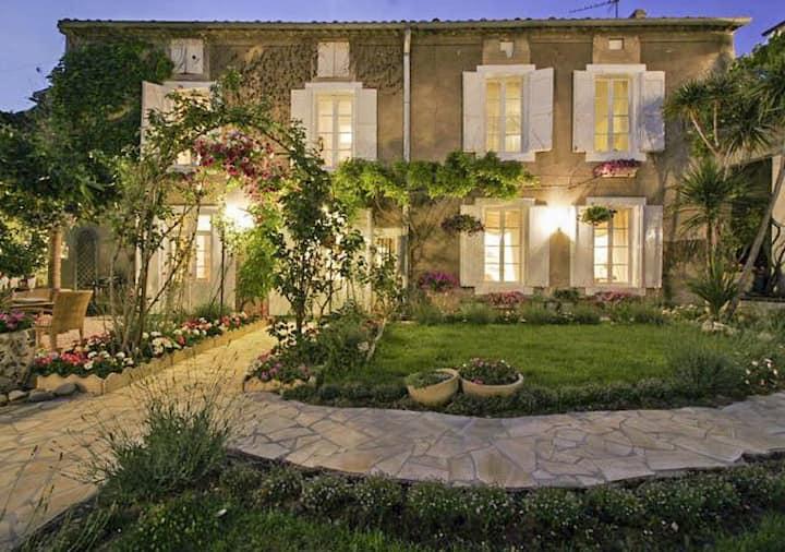 Maison De La Botte - House with heated  pool