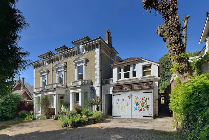One bed Flat in St Leonards-on-Sea