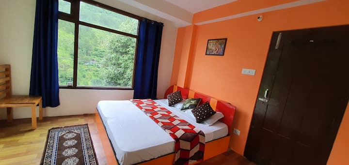 2 BHK Oaktree Homestay/Bonfire
