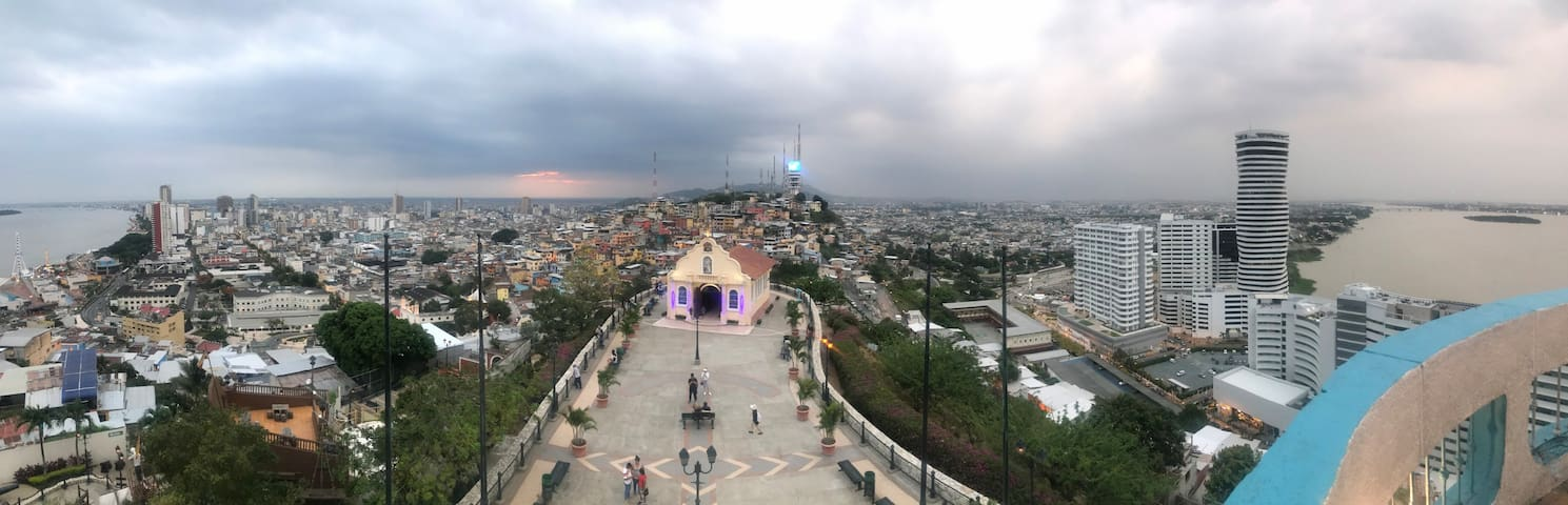 Downtown Guayaquil, Close to everything