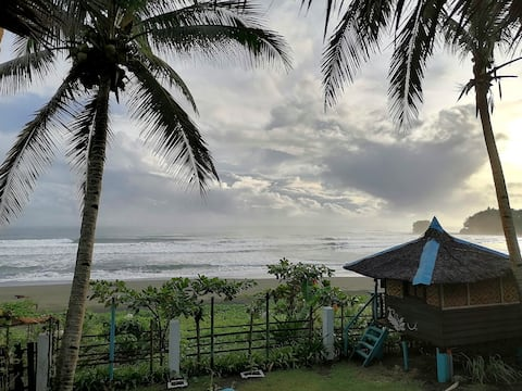 Mariamahalo Beach Home