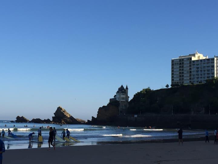 Biarritz hypercentre, front de mer, nid douillet