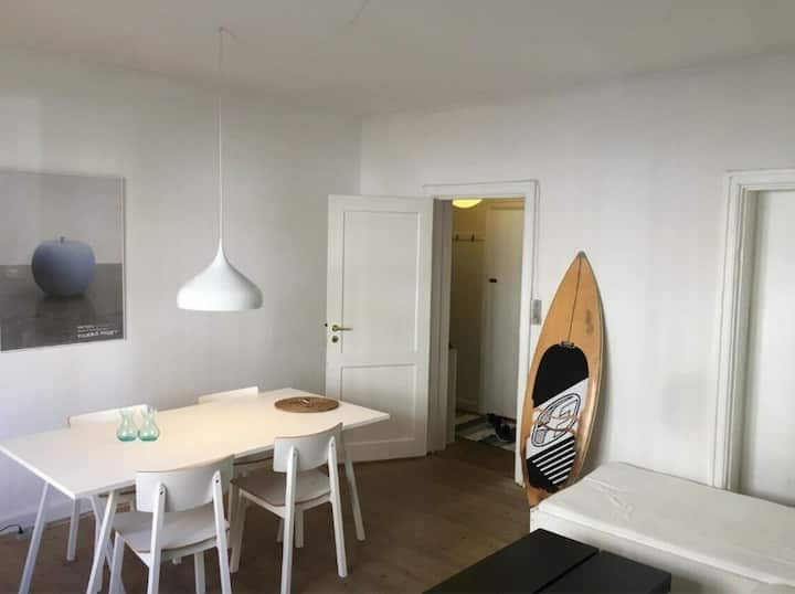 Cosy 2-room apartment - 1 min. from Metro st.
