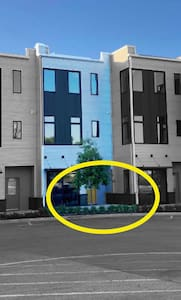 Park RIGHT outside the door,  take 4 steps and you are inside our condo.  No stairs,  no parking garages, no hassle!
