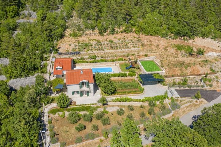 Villa Vita- 3 Bedroom Villa with Private Pool