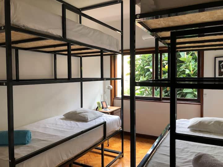 Casa Universo 1- Cozy Dorm in the City
